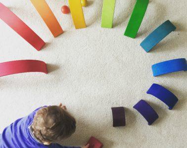 Regenbogen-Familie-Baby