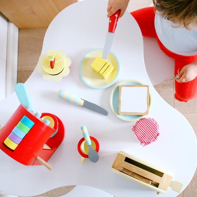 kinderk che zubeh r aus holz die geschenkidee werbung der blog f r regenbogenfamilien. Black Bedroom Furniture Sets. Home Design Ideas