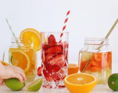Kind trinkt zu wenig - was tun? Tipps für mehr Spaß beim Trinken + Infused Water Rezepte