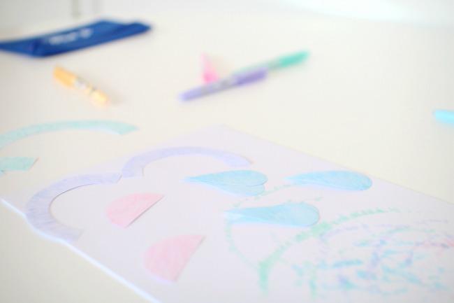 Dekoidee für das Kinderzimmer in Pastellfarben: ein Mobile basteln