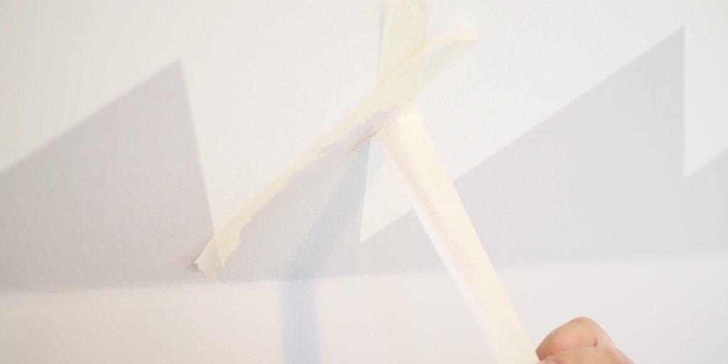 Malerkrepp abziehen farbige Wände