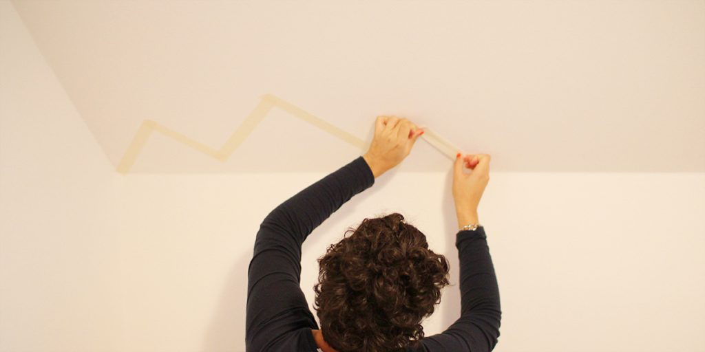 Saubere Kanten streichen Wand