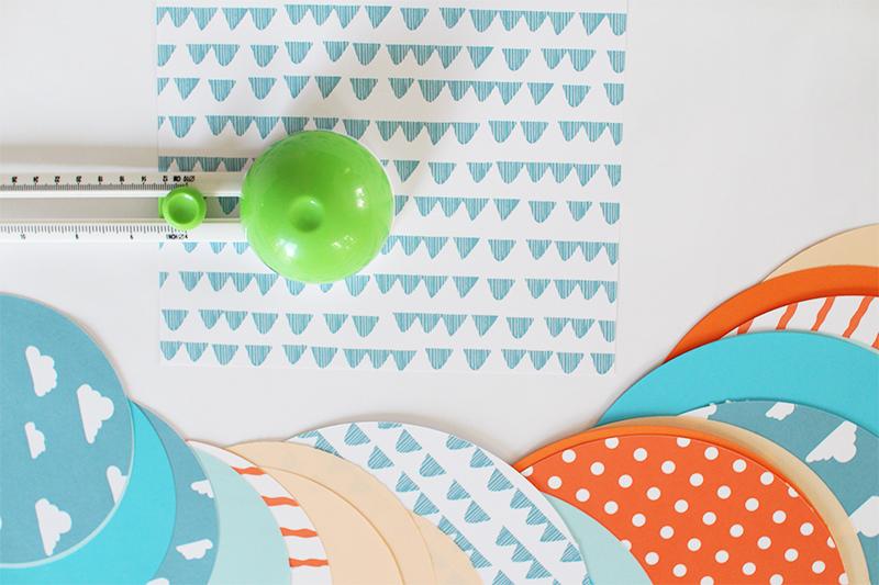 Papierkugeln basteln schritt 1 der blog f r regenbogenfamilien - Papierkugeln basteln ...