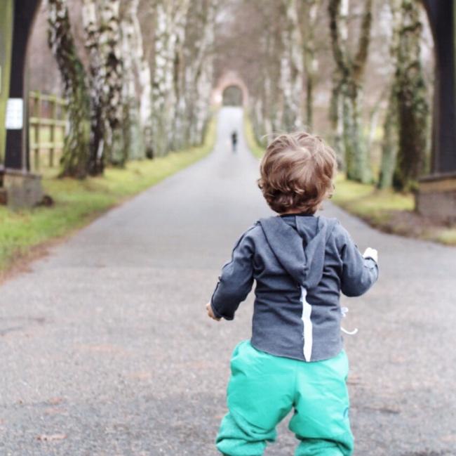 Was ist der Zwiebellook? Kinderkleidung Ratgeber Kinder im Winter richtig angezogen