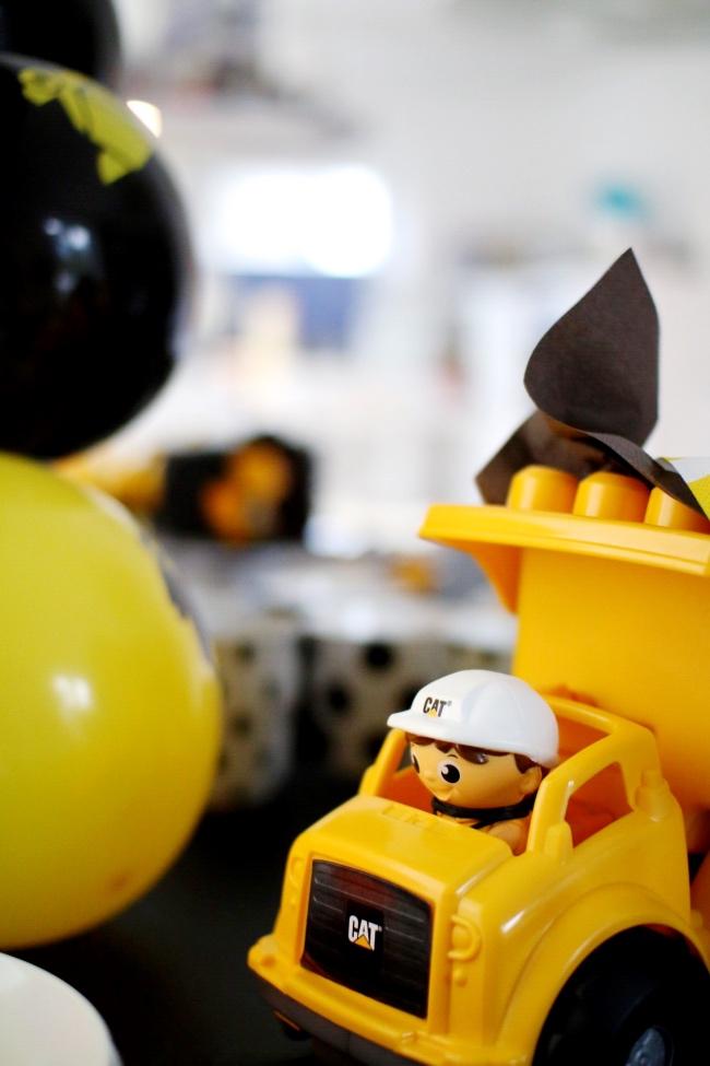 Baustelle Mottoparty Kindergeburtstag Bauarbeiter Ideen