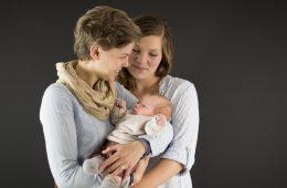 Regenbogenfamilie aus Bremen zwei Mütter erzählen im Interview über ihr Leben unter dem Regenbogen - Mama, Mama, Kind