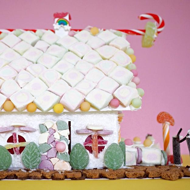 Lebkuchenhaus dekorieren Ideen Weihnachten mit Kindern