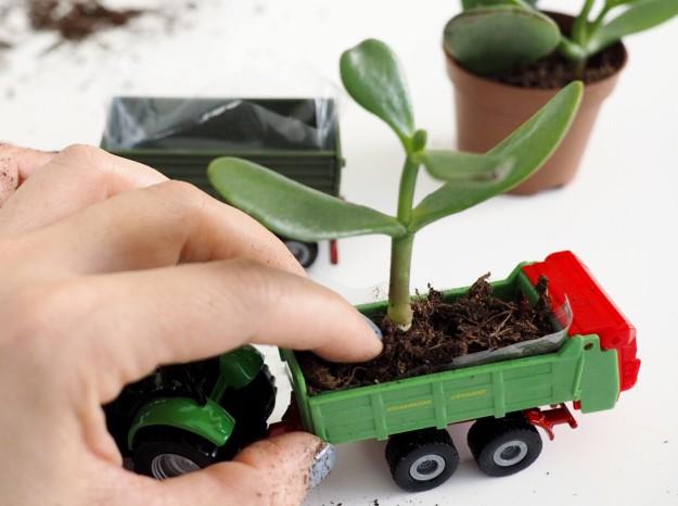 Dekorieren mit Spielzeug DIY Matchbox Car