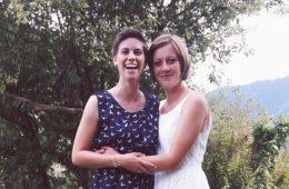 Regenbogenfamilie zwei lesbische Frauen mit Kinderwusnch