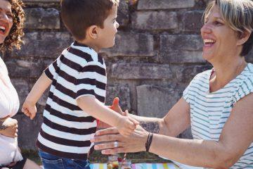 Kinderwunsch zwei Frauen kuenstliche Befruchtung Familiengründung Regenbogenfamilie