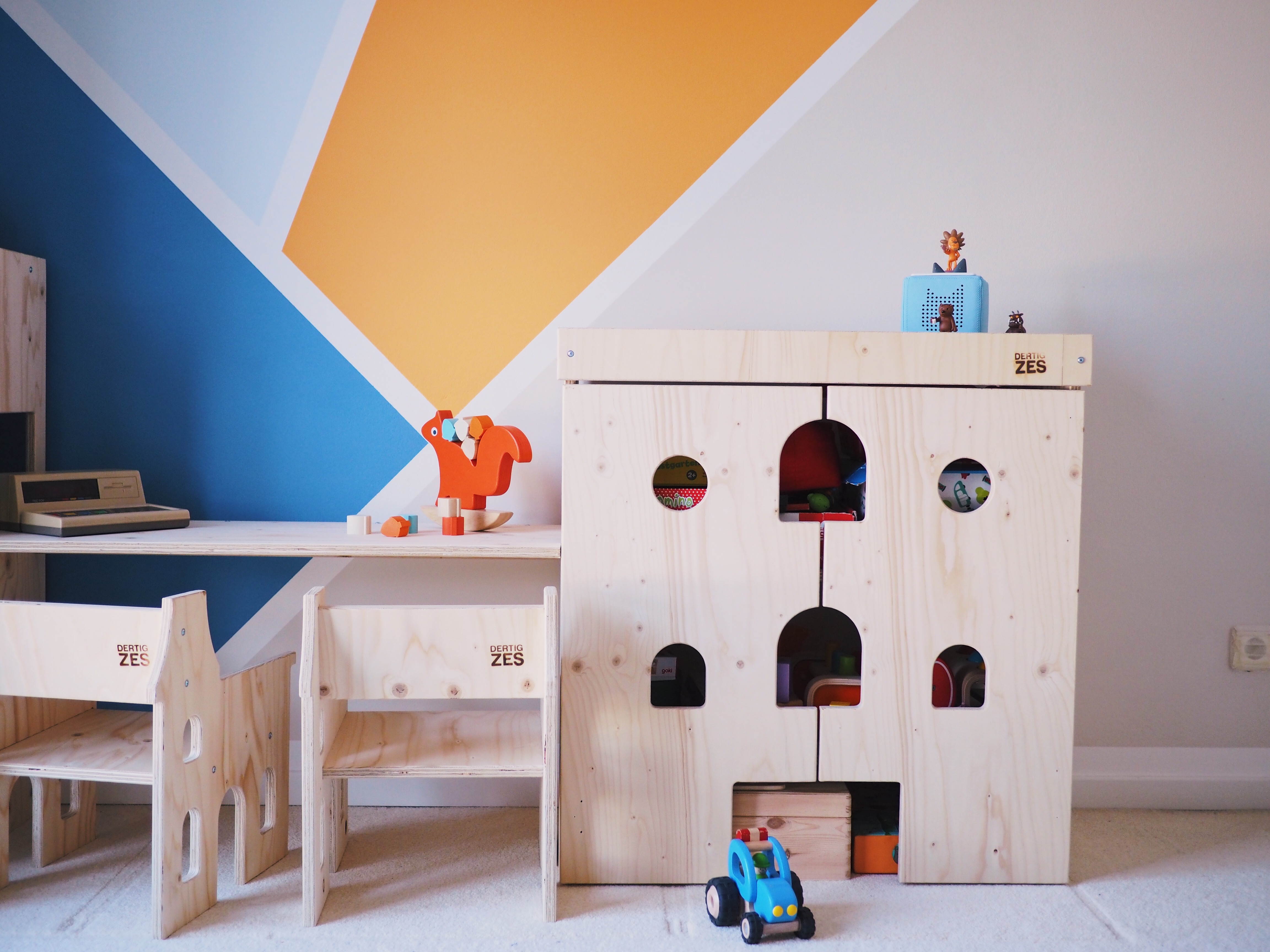 kologischer bodenbelag im kinderzimmer schritt f r. Black Bedroom Furniture Sets. Home Design Ideas