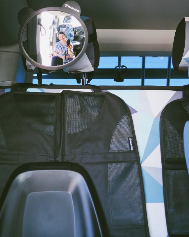 Babyschale VW Bus T5 zwei Kinder - sicheres Reisen