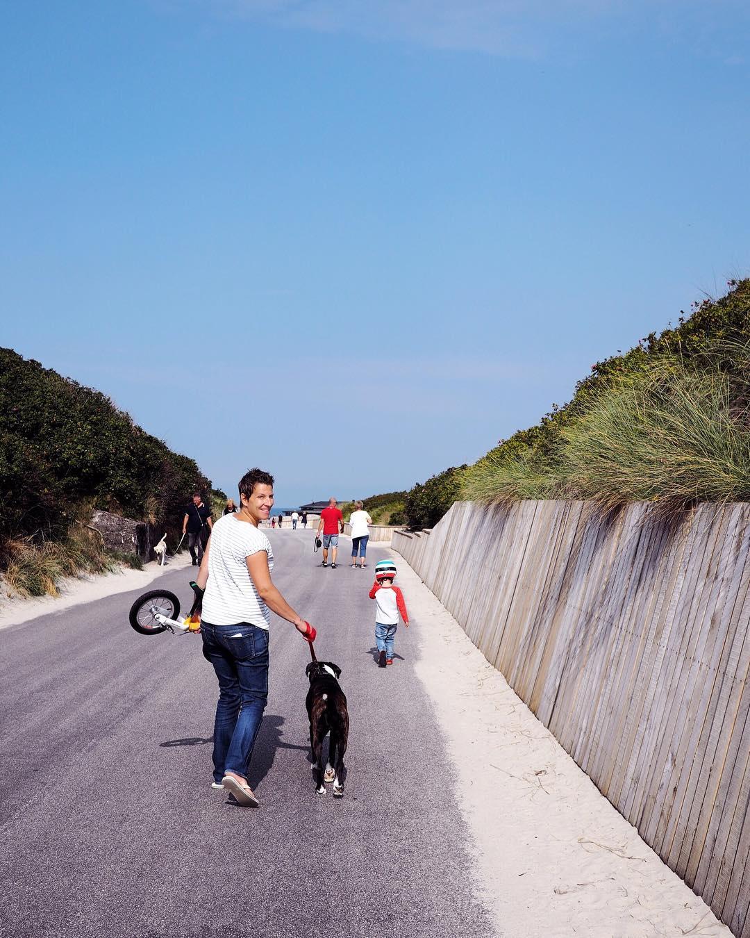 Mit Kindern am Strand - Hundestrand Dänemark Familienurlaub in Henne Strand