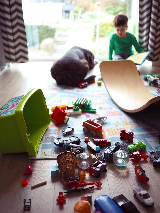 Ordnung schaffen mit Kindern - 5 Tipps für weniger Chaos im Kinderzimmer
