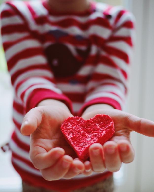 Samenbomben selber machen Bastelanleitung Herz verschenken - Geschenkidee Muttertag