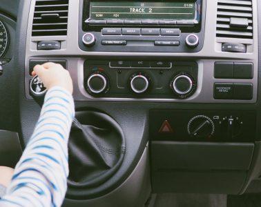 Geschenkideen zu Ostern für Kinder, die gerne reisen - Autofahrten mit Kindern