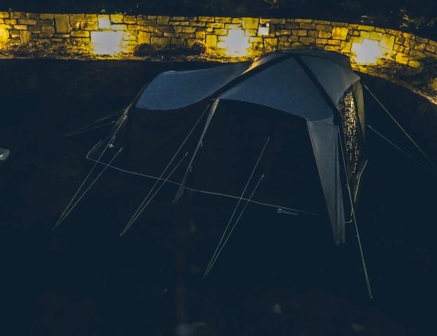 Camping mit Kindern im Zelt schlafen