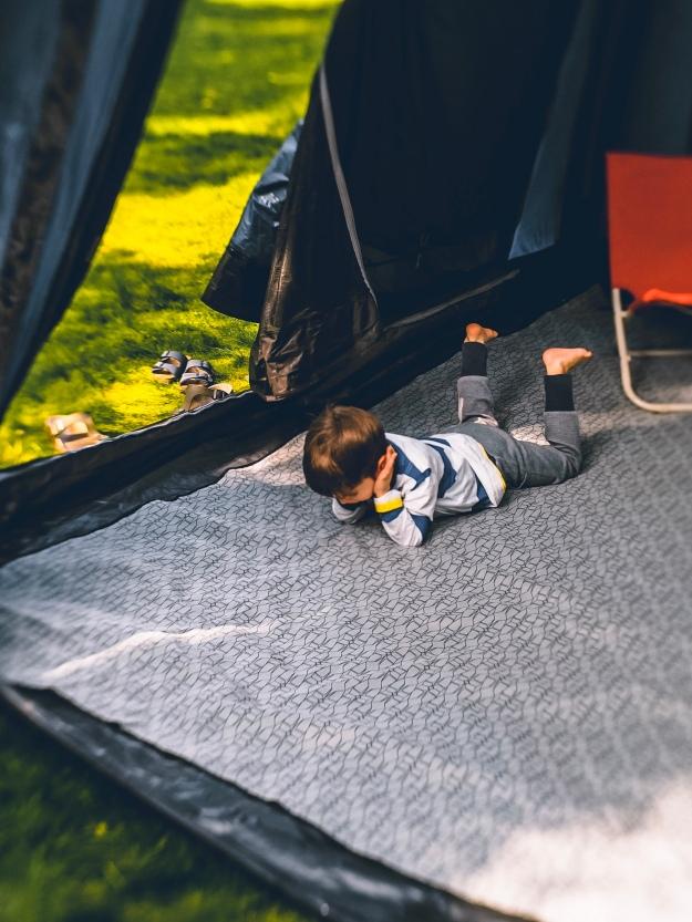 Camping mit Kindern - welches Busvorzelt ist das richtige