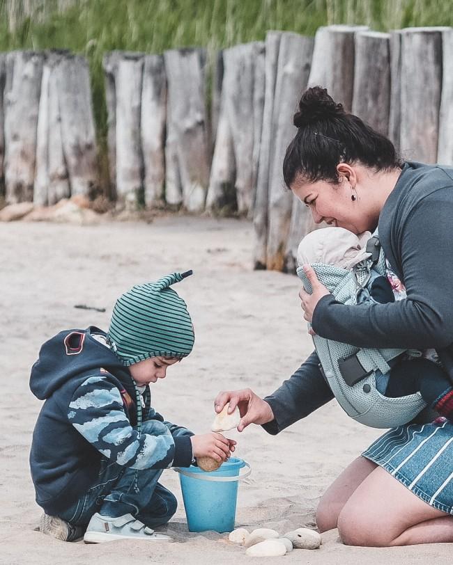 Mit Kindern am Strand spielen - unsere Lieblingsspielzeuge