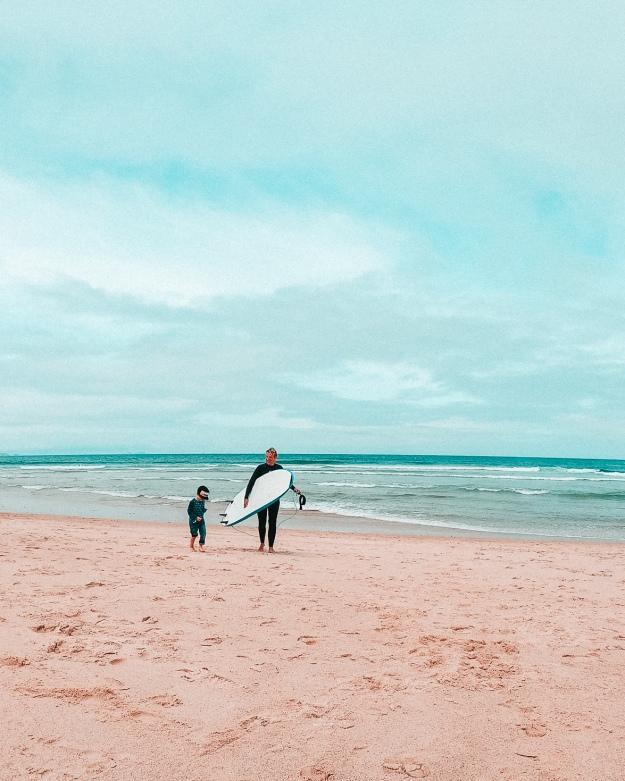 Surfen lernen mit Kindern in Portugal - Familie Surfcamp Da Silva
