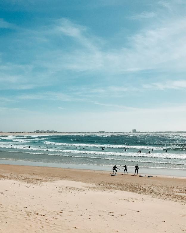 Surfen lernen mit der Familie